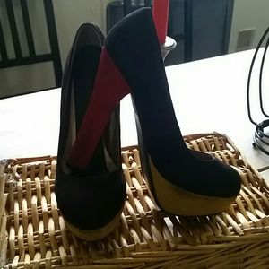 Colorblock heeled shoes